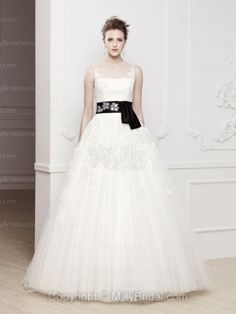 BallGown Scoop Tulle Satin Floor-length Ivory Sashes / Ribbons Wedding Dresses