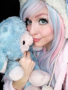 Cute. I love the wig.
