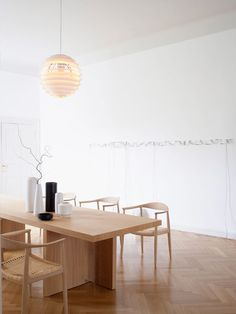 Art collector Jörg Johlen turned this old apartment in berlin to a Scandinavian style dream scape. I don't know if this would technically be called