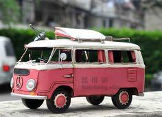 ❤ BESCHRIJVING ❤  Deze Retro stijl roze Volkswagen Trailer maakt een geweldig cadeau of huis decoratie. Deze schattige model beschikt over een retro stijl uit blik en is 100% handgemaakt.   ❤ SPECIFICATIES ❤  — Naam: Retro roze Volkswagen Trailer — Grootte: 25 x 13 x 16 cm — Gewicht: 1kg (bij benadering) -Materiaal: staal, kunststof, rubber, stof   ❤ ❤ voor afhandeling & verzending  Het item zal defaultly worden verzonden via China Post EUB of Hongkong Post geregistreerd luchtpost met tra...