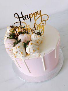 Birthday Cake For Women Simple, 18th Birthday Cake For Girls, 22nd Birthday Cakes, Elegant Birthday Cakes, Beautiful Birthday Cakes, Birthday Drip Cake, Happy Birthday Cake Images, Birthday Ideas, 18th Birthday Cakes Girl