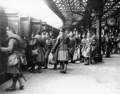 (City of Dundee) Battalion, Black Watch, leaving Tay Bridge Station. My wife's Great Uncle George Bell served in the dies at Loos on the first day of the battle. World War One, First World, Dundee City, Military History, Historical Photos, Great Britain, Glasgow, Old Photos, Street View