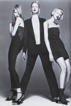 versace f/w kristen mcnemamy, kirsten owen and karen elson by richard avedon Richard Avedon, Karen Elson, Gianni Versace, Versace Versace, Karen O'neil, Editorial Photography, Fashion Photography, Group Photography, Mode Editorials