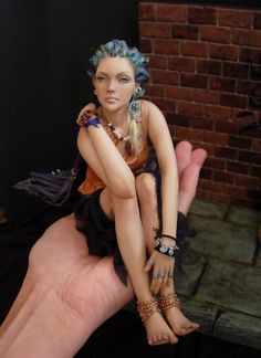 Painting the Clouds Website of Renata Jansen, polymer clay doll artist. Amazing dolls!