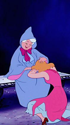Cinderella cries consoled by the Fairy Smemorina - The Trend Disney Cartoon 2019 Walt Disney, Disney Magic, Disney Art, Disney Movies, Disney Characters, Disney Dream, Disney Vintage, Disney E Dreamworks, Disney Aesthetic