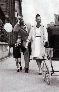 Audrey Hepburn, 1959 (with Mel Ferrer & son, Sean)