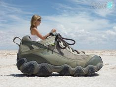 You can't go to Bolivia without. Kim in shoe, Salt Flats Bolivia timeasatrave.-You can't go to Bolivia without… Kim in shoe, Salt Flats Bolivia timeasatrave… You can't go to Bolivia without… Kim in shoe, Salt… - Photography Lessons, Beach Photography, Creative Photography, Amazing Photography, Pinterest Photography, Funny Photography, Trucage Photo, Photo Tips, Photo Poses