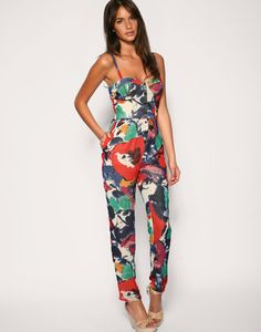 Women's Jumpsuit fashion trend: styles, materials, occasions Latest Fashion Clothes, Fashion Outfits, Womens Fashion, Fashion Trends, Desire Clothing, Floral Jumpsuit, Jumpsuits For Women, Everyday Fashion, Beautiful Outfits