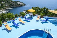 Le Terrazze Residence Ustica Ustica Le Terrazze Residence is located on the island of Ustica. It offers views of the harbour, a panoramic sun terrace with a small, above-ground pool, and air-conditioned studios with a kitchenette and sea views.