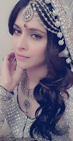 Pakistani Couture, Pakistani Wedding Dresses, Indian Dresses, Indian Outfits, Muslim Brides, Asian Bridal, Desi Wedding, Bridal Beauty, Bridal Looks