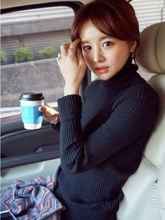 jihyun_imvely|imvelyの팔찌を使ったコーディネート - WEAR Asian Beauty, Turtle Neck, Draw, Knitting, Sexy, Pretty, Girls, Sweaters, How To Wear