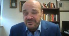 """""""Zagrebačko Dokukino bilo je jedno od 17 europskih kina u kojima je u utorak navečer održana istovremena projekcija dokumentarnog filma """"Prognostičar"""" o kontroverznom ekonomskom analitičaru Martinu A. Armstrongu koji je do zapanjujućih detalja predvidio sve globalne financijske krize od 1987. godine naovamo, a koji tvrdi da upravo danas počinje nova velika kriza, koja će se odraziti na vrijednost američkog dolara, ali i na čitavu ekonomiju SAD-a i njen utjecaj u svijetu."""""""