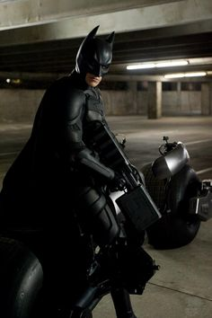 The Dark Knight Rises: New Photos Revealed - IGN