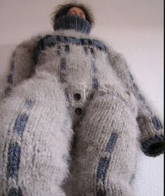 Sweater Fashion, Sweater Outfits, Gros Pull Mohair, Chunky Knitwear, Fox Fur Coat, Mohair Sweater, Catsuit, Winter Hats, Turtle Neck