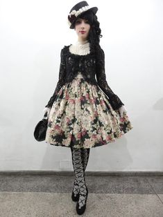 classic lolita | Tumblr, although I don't like the outward extension or the tights I adore the outfit, would be nice to go for a walk in to the shops..just to catch a few eyes..