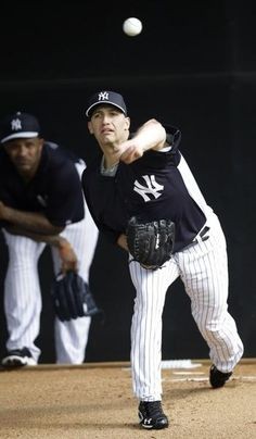 05a7019ede24e NY Yankees - Andy Pettitte back at work at baseball spring training.