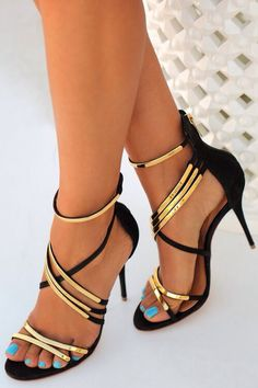 Black & Gold heels, love!