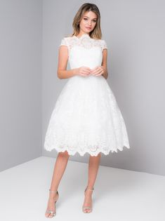 Chi Chi Aerin Dress from Chi Chi London inspired by this season's catwalk trends, whatever the occasion, look great in one of our stunning designs. Cream Midi Dress, White Dress, Lace Dress, Wedding Robe, Wedding Dresses, Robes De Confirmation, Chi Chi London Dress, Bcbg, Fitted Bodice