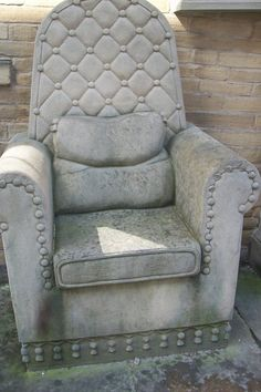 Cover the cahir in concrete but i probably would put a soft cushion on it for comfort. old chair covered in concrete a layer at a time Cement Art, Concrete Cement, Concrete Furniture, Concrete Crafts, Concrete Projects, Concrete Garden, Mosaic Furniture, Garden Furniture, Rocking Chair Cushions