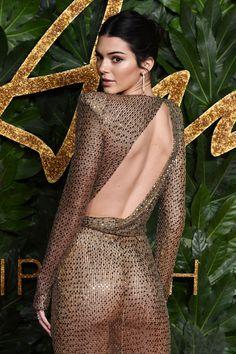 British Fashion Awards: Kendall Jenner leaves little to the imagination in a sheer gold-beaded dress Formal Dresses For Men, Grad Dresses Short, Dresses For Teens, Outfits For Teens, Trendy Outfits, Fashion Outfits, Gold Beaded Dress, Gold Dress, Gold Gown