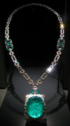 Cartier Mackay emerald, diamond and platinum necklace, circa 1931. In the Art Deco style, the necklace features a 167.97-carat emerald from Muzo, Columbia. The necklace was a wedding gift in 1931 from Clarence Mackay to his wife, Anna Case, a prima donna of the New York Metropolitan Opera from 1909 to 1920.