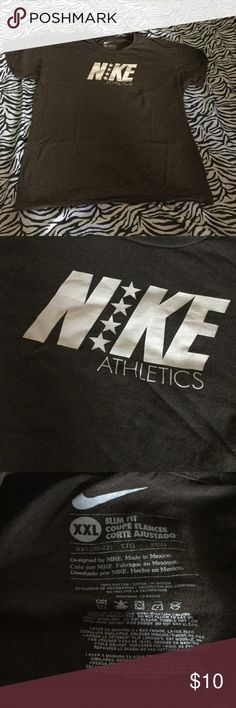 Nike Shirt In great condition Nike Tops Tees - Short Sleeve