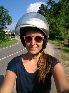 This article is about driving a scooter on Sri Lanka. Wild Elephant, Hidden Places, Small Handbags, Falling Down, Stars And Moon, Sri Lanka, The Incredibles
