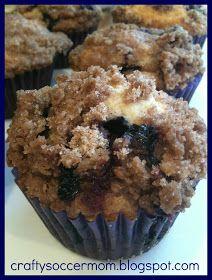 Crafty Soccer Mom: Blueberry Muffins w/ Cinnamon Sugar Streusel Topping
