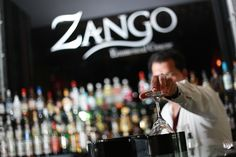 ¿Planes para ésta noche? ¿Qué tal de reunirse con amigos en Zango para un cocktail?  Any plans for tonight? What about gathering with your friends at Zango for a cocktail?