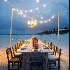 Gorgeous tablescape for a #beach #wedding