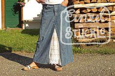 Jeansrecycling, langer Rock mit Spitzeneinsatz Bell Bottoms, Bell Bottom Jeans, Rock, Pants, Fashion, Pictures, Trouser Pants, Moda, Trousers