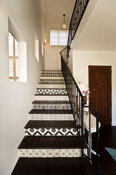 Love the use of different tileworl on each step! Fantastic