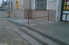 Akadálypálya lett az akadálymentesített rámpából a celldömölki vasútállomáson