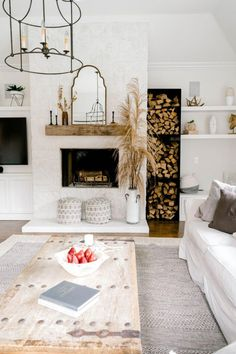 #LeatherLivingRoomSet Small Living Room Design, My Living Room, Living Room Designs, Living Room Decor, Barn Living, Home Living, Luxury Living, Modern Living, Fall Home Decor