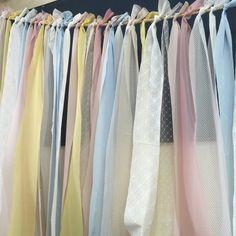 結婚式が華やかになる*リボンカーテンの作り方&飾り方 | marry[マリー]