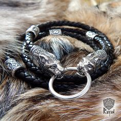 Lince de runas cuerda pulsera 2 en 1. collar de Bobcat. Cordón de cuero. Pulsera de Raven. Cable de lince. Collar de Viking. Runa vikinga