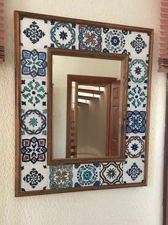 Mirror Mosaic, Diy Mirror, Mosaic Art, Home Decor Furniture, Diy Home Decor, Home Entrance Decor, Tile Crafts, Blue Pottery, Handmade Tiles