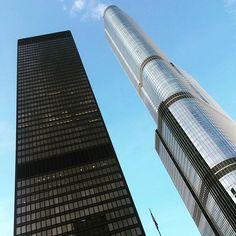 Insta Tower Duel #chicago #tourism #michigan #illinois #archilovers #architecture #igarchitecture #international #instatravel #cities #skyline #skyscraper