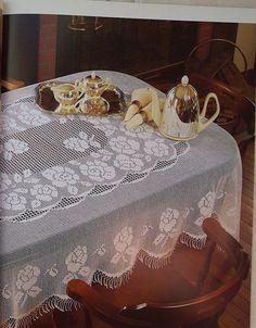 Toca do tricot e crochet Filet Crochet, Crochet Cord, Thread Crochet, Love Crochet, Crochet Tablecloth, Crochet Doilies, Crochet Lace, Tablecloths, Crochet Edgings