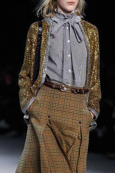 Celine Fall 2019 Ready-to-Wear Fashion Show - Vogue Fashion Mode, Moda Fashion, High Fashion, Fashion Show, Womens Fashion, Runway Fashion Outfits, Fashion Pants, Fashion 2017, Fashion Trends