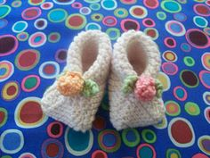 Susan B. Anderson: Page 81 Booties--6 garter squares cleverly folded and stitched into booties!!