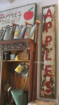 ChiPPy! - SHaBBy!   ViNtaGe A*P*P*L*E Signs...