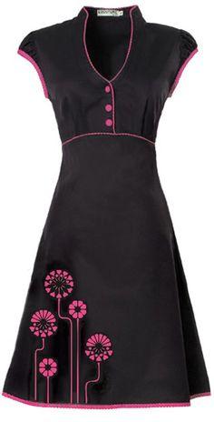 Ecouture by Lund - JOBI - kjole i økologisk, håndprintet bomuldssatin Girly Outfits, Skirt Outfits, Simple Dresses, Short Dresses, Black And Pink Dress, Kurta Designs, Colorful Fashion, I Dress, Dress Patterns