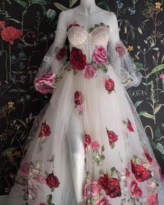Pretty Outfits, Pretty Dresses, Beautiful Dresses, Ball Dresses, Prom Dresses, Wedding Dresses, Flower Dresses, Fantasy Gowns, Fairytale Dress