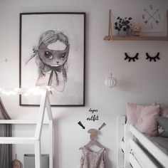 We fall in love every time we find a room that makes us dream. This is one of those cases. This girl's bedroom designed by_betina Instagram is full of creativity, style and trendy details. Soft tones, Nordic design, comfortable spaces…it has everything to get a wonderful result where harmony is a common factor which wraps the whole …