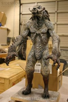 Behind the scenes of the greatest Movie Monsters and Creature Designs Creature Feature, Creature Design, Ghost Movies, Horror Movies, Dan Mumford, Character Art, Character Design, Aliens, 3d Figures