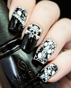 F**k yeah!! Skull nails ftw!