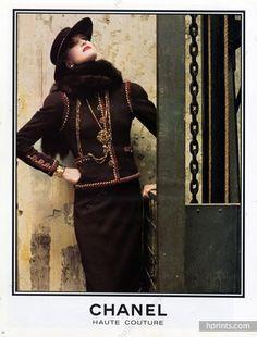 Chanel 1983 Haute Couture Suit Hat Fur
