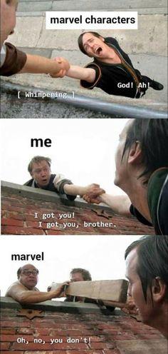 """Postać z Marvela[ płacze]""""Boże! Ah ! """"Ja : Mam Cię! Mam Cię, bracie"""