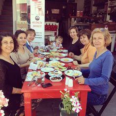 @Fadil Ugural Ada ahalisi kahvaltida // Ada Cafe® Bozcaada